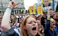 Polonya'da yurt dışında kürtaj yaptırmak isteyenler için alo yardım hattı kuruldu