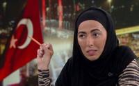 Nihal Olçok: Türkiye'de yalnız kadın olmak, kadın olmayı bırakmak demektir