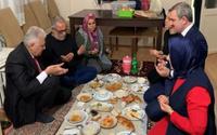 Binali Yıldırım'ın iftarı sosyal medyada gündem oldu