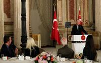 Erdoğan o sanatçıları eleştirdi