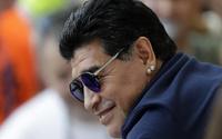 Efsane futbolcu Maradona hayatını kaybetti