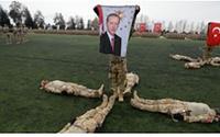 Kışlada siyaset! Jandarma mezuniyet töreninde Erdoğan'ın pankartı açıldı