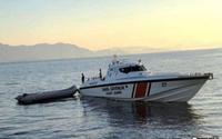 Yunanistan, polis botumuza taciz ateşi açtı