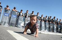 Edirne'de yaklaşık 500 sığınmacı TEM otobanında bekliyor