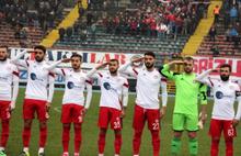 Futbolculardan İstiklal Marşı'nda asker selamı