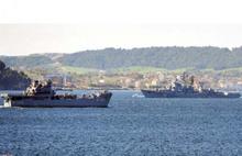 Türk ve Rus savaş gemileri burun buruna geldi
