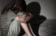 Küçük kızını sevgilisiyle ilişkiye zorlayan anneye beraat