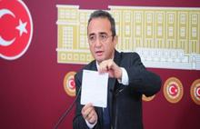 CHP para transferi iddiasıyla ilgili belgeleri dağıttı