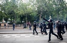 Fransa'da sarı yeleklilerin gösterileri başladı