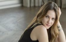 Alina Boz parasının peşini bırakmıyor