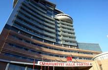 İstanbul'da CHP'nin seçim aracı yandı