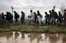 Yunanistan mültecileri Türkiye'ye geri gönderiyor
