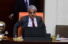 HDP'li Sancar kürsüde hastalandı, hastaneye kaldırıldı