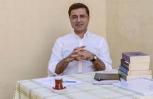 Selahattin Demirtaş, Cumhurbaşkanı Erdoğan'a Aliya İzzetbegoviç'in anılarını tavsiye etti...
