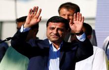 Demirtaş'dan AKP muhaliflerine eleştiri