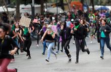 Meksika'da kadınlar sokakta: Cinayetler son bulsun