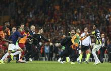 Fenerbahçe ile Galatasaray derbilerinden unutulmaz anlar...