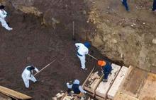 New York'ta toplu mezarlar kazıldı