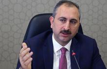 İktidara yakın yazar'dan Adalet Bakanı eleştirisi