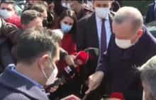 67 Yaşına Giren Erdoğan'a Komşularından Doğum Günü Pastası