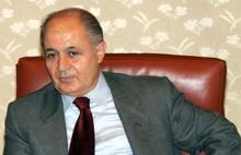 Erdoğan, Ahmet Necdet Sezer'i mumla arıyor