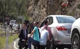 Kılıçdaroğlu'nun konvoyuna saldırı!