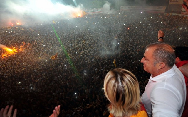 Fatih Terim resmen Galatasaray'da..
