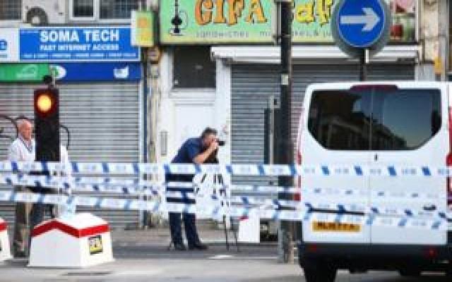 Londra'da camiden çıkanlara saldırı