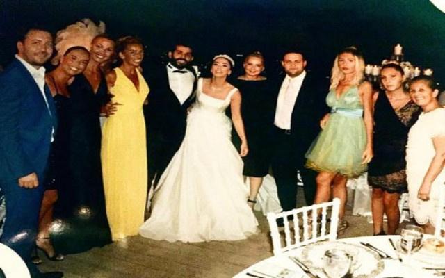 Ünlü oyuncu sessiz sedasız evlendi