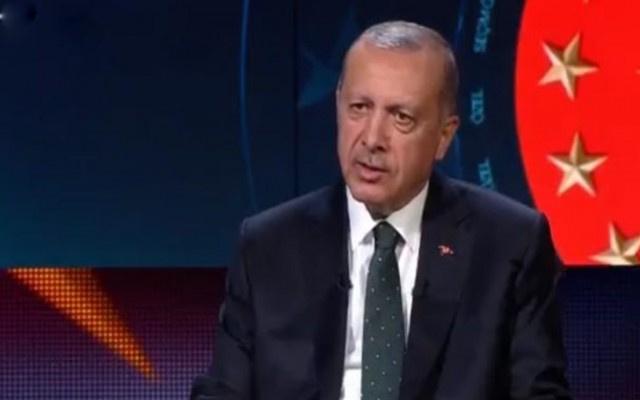 Le Monde'da Erdoğan'a protesto bildirisi