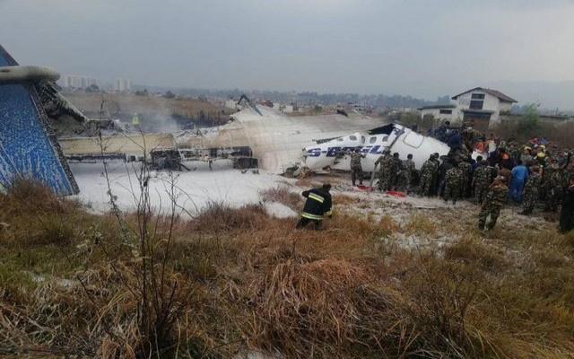 Bir uçak da Nepal'de düştü