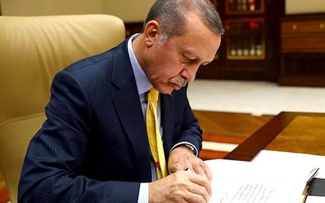 Şaka gibiler... Filtre yasasına EVET diyen MHP ve AKP'den yasayı VETO eden Erdoğan'a teşekkür