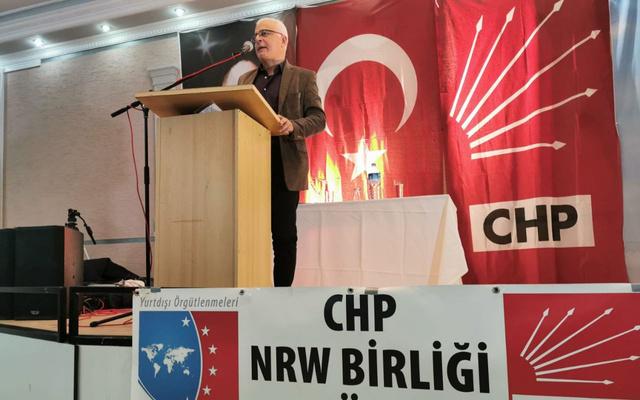 Gazeteci Merdan Yanardağ, Köln'de katıldığı konferansta Cumhuriyete ihanet edilmiştir dedi