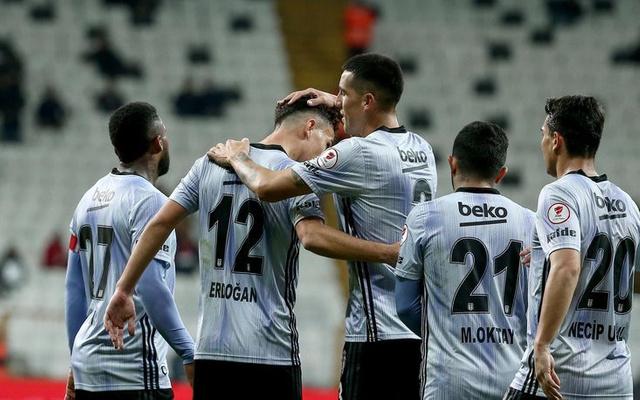 Ziraat Türkiye Kupası'nda Beşiktaş evinde ağırladığı Erzincanspor'u 3-0 mağlup etti