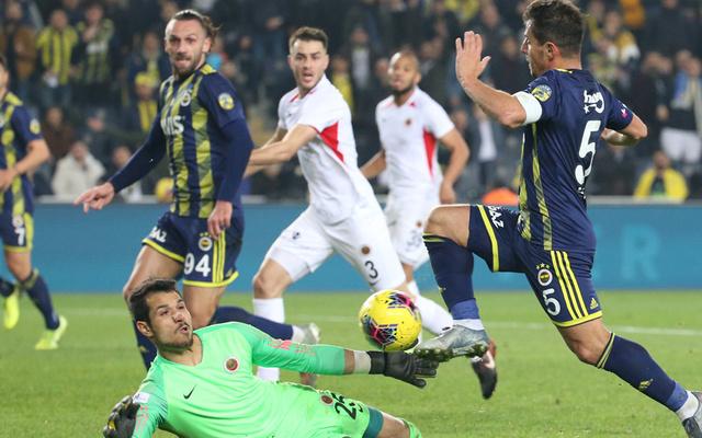 Fenerbahçe evinde Başkent ekibi Gençlerbirliği'ni 5-2 mağlup etti
