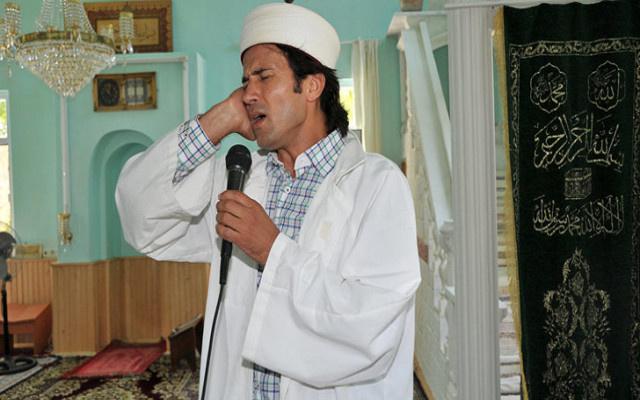 Rockçı imam adaylığını açıkladı