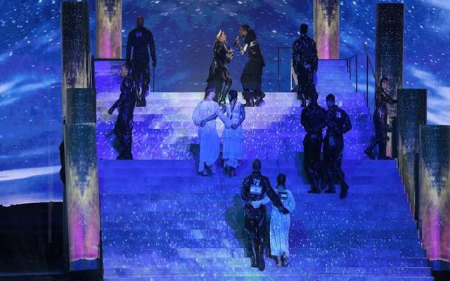 Madonna'dan İsrail'de büyük olay