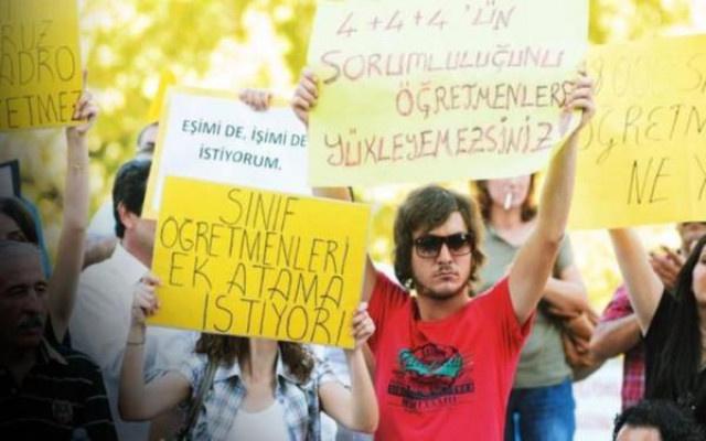 Atama bekleyen ücretli öğretmenlere kötü haber