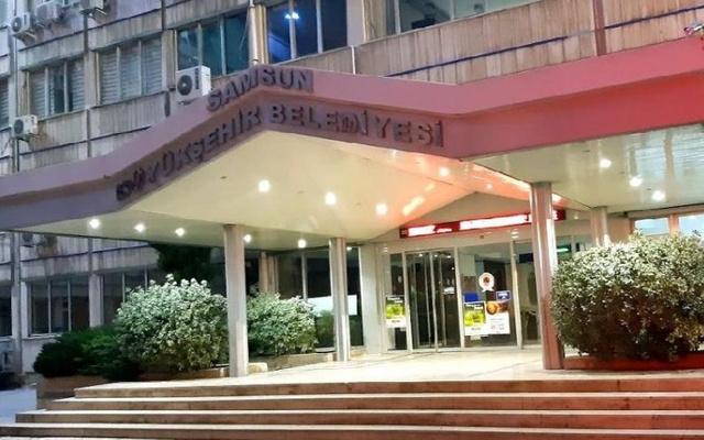 AKP'li belediye 27 yıllık Atatürk logosunu değiştirdi