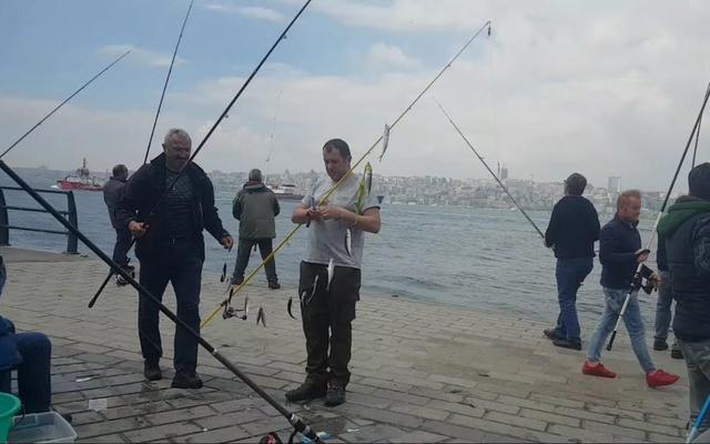 Üsküdar Belediyesi kendi sınırları içinde balık tutmayı yasakladı