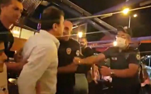 Polis gözaltına aldığı baro başkanını suçladı