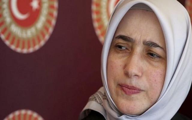 AKP'li Zengin: Amaç, başörtülü ve çıplak kelimelerini yanyana getirerek...