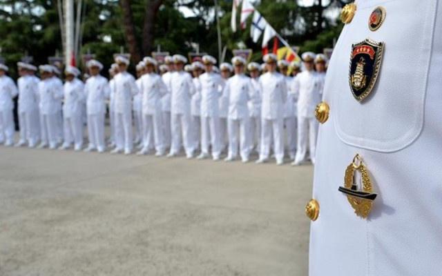 Emekli amirallerin lojman ve koruma hakları iptal edildi